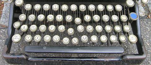 Typewriterhermes_by_audrius_meskaus